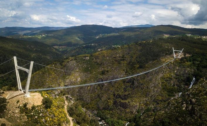 Portugal eröffnet die längste Fußgängerbrücke der Welt.